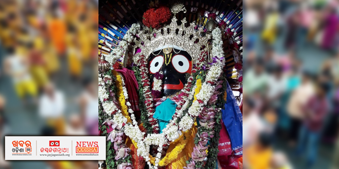 Lord Jagannath adorned with silver ornaments for Rajadhiraja Besha in Boudh