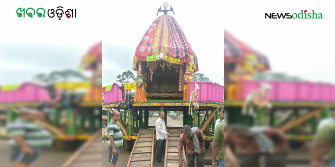 Chariot awaits as the Lords are yet to come in Pahandi Bije in Malkangiri