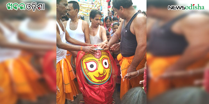 Devi Subhadra being taken on Pahandi to the Gundicha Temple at Bhuban in Dhenkanal