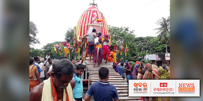Devotees gather at Pipili for Bahuda Yatra of Lord Jagannath