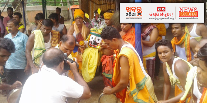 Lord Jagannath taken to the chariot admist the sounds of traditional instruments