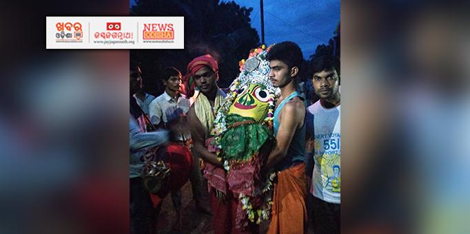 Devi Subhadra being taken in Pahandi in Bhandaripokhari, Bhadrak