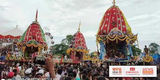 Sibling deities on chariot for Bahuda Yatra at Paralakhemundi in Gajapati