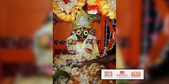 Lord Jagannath moving towards Gundicha temple in Dasarathpur