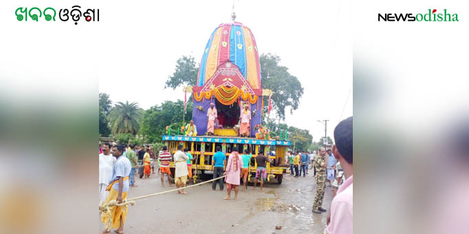 Chariot takes back Lords to their abode during return journey at Rairakhol in Sambalpur