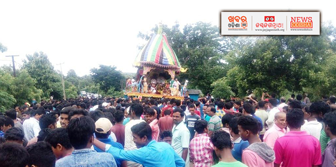 Holy trinity on their way to their abode at Dampada in Banki of Cuttack during Bahuda Yatra