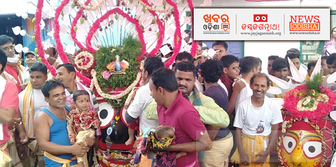 Lord of the Universe on his way to the chariots in Koraput