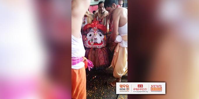 Lord Balabhadra coming in Pahandi during Bahuda Yatra at Anchalguma in Nabarangpur