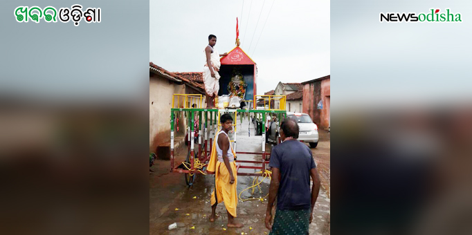 Lord Jagannath on the chariot at Dharuadehi in Sundergarh during Rath Yatra