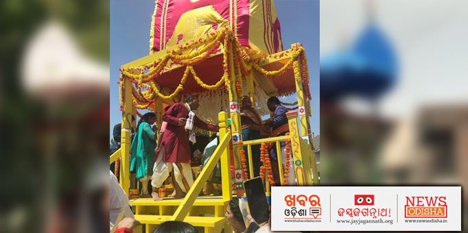 Jay Jagannath: Servitors-on-the-chariot-in-Dallas-Texas