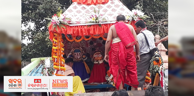 The sibling deities on the chariot in Hirakud