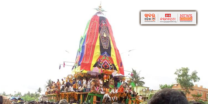 Lord Jagannath and his siblings on way to Mausima temple in Kendrapara