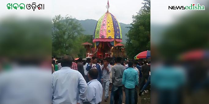 Colorful chariot rolls back home during Bahuda Yatra at Mukhiguda in Kalahandi