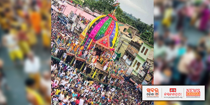 Chariots being pulled by devotees during Bahuda Yatra at Talcher in Angul