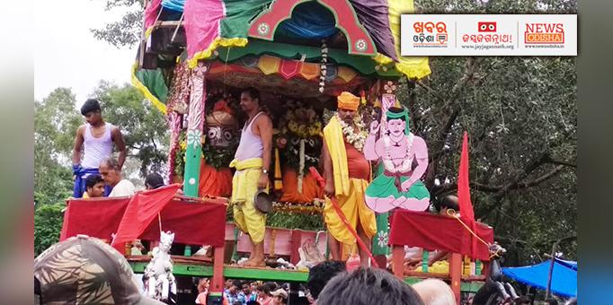 Lord Jagannath and his siblings reach Sri Mandir  at Mathili in Malkangiri