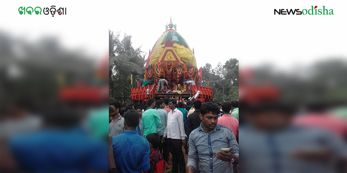 Devotees throng Sarabanta under Erasama as Lord's Rath rolls in Jagatsinghpur