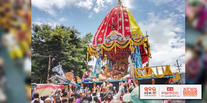 Lord Jagannath on Nandighosh chariot set to travel to his temple on Bahuda Yatra in Paralakhemundi