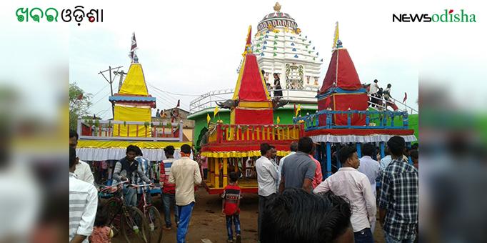 Three chariots ready to roll at Dharmagarh for Bahuda Yatra in Kalahandi