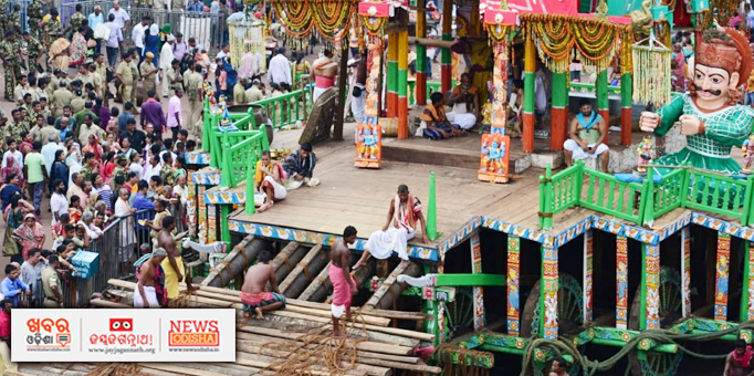Khabar Odisha:Charamala-being-tied-to-chariot-for-Niladri-Bije-in-Puri