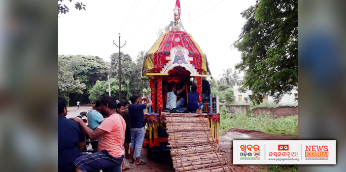 Chariot waits for the deities on Bahuda Yatra occasion at Khordha