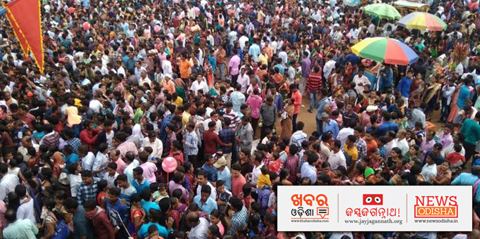 Jay Jagannath: Horde-of-adherents-pouring-themselves-into-the-sea-of-devotion-