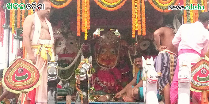 Lords atop the chariot for the Bahuda ceremony at Phulbani in Kandhamal