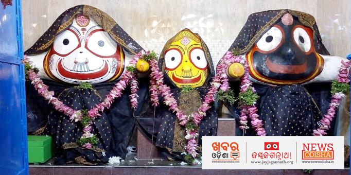 The sibling deities on the Ratnasinghasan at Parlakhemundi