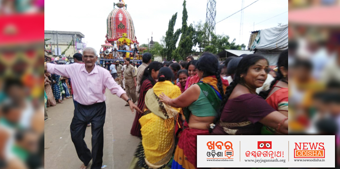 Chariots being pulled by women devotees in Athagarh